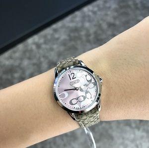 Coach Women 14501621 Classic Signature Strap Watch